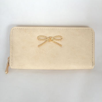 Bow Wallet In Cream