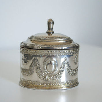 Jewelry box Silver metal Vintage by SCAVENGENIUS on Etsy