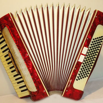 Musical Instrument German Accordion 96 bass 7 registers. Original Piano Accordian. Nice sound 260