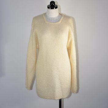 25% OFF SALE 90s cream chunky knit mohair sweater / vintage 1990s slouchy open weave sweater / Oversize Knit jumper