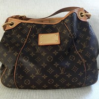 LOUIS VUITTON Galliera PM Monogram Bag. Comes with dustbag.