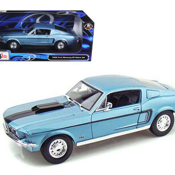 1968 Ford Mustang CJ Cobra Jet Blue 1-18 Diecast Model Car by Maisto