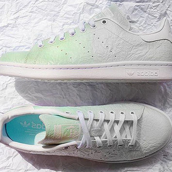 Adidas Originals Wrinkled Gradient Green Sport Casual Shoes 5736bbc24
