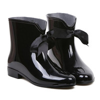 Black Flat Heel Rain Boots With Ribbon Design