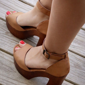Catalina Bay Tan Platform Sandals