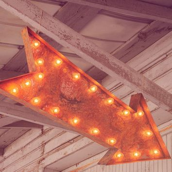 "36"" Large Arrow Vintage Marquee Sign with Lights (Rustic)"