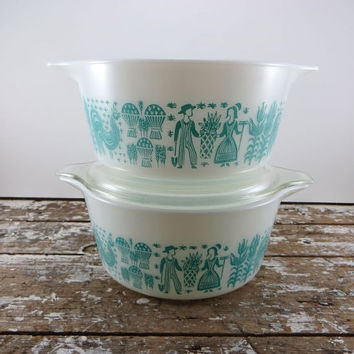 Butterprint Pyrex Casserole Dishes Amish People with Rooster Pyrex Turquoise and Blue Bowls 474B