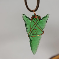 Emerald Green wire wrapped ARROWHEAD necklace - arrowhead pendant - reclaimed glass necklace