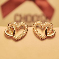 Lover's Hearts Pearl Earrings