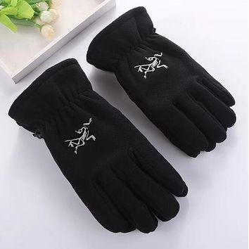 Arcteryx Winter Popular Woman Men Warm Knit Gloves Black