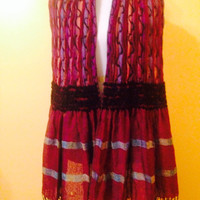Multi colored , long shringle , plaid, warm , stretchy, two different patterns on inside and out beautiful long scarf