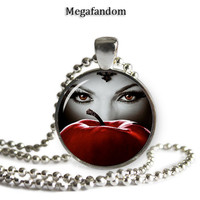 Once Upon a Time -  Evil Queen Regina Round Glass Pendant/Necklace Silver Plated 25mm