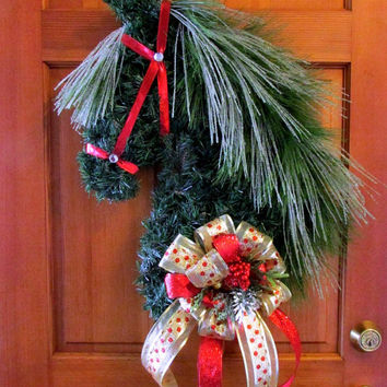Horse head wreath, Christmas wreath, equestrian decor, holidays, holiday wreaths, equestrian gifts, Christmas swag, barn decor