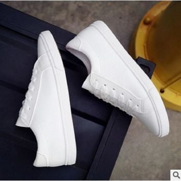 2018 New Year summer white shoes women's flat canvas shoes white shoes casual shoes women.