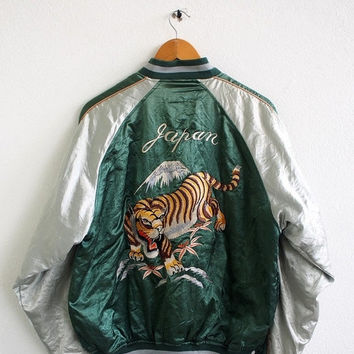 BIG SALE 25% SUKAJAN Japan Gold Tiger Roar Yokosuka Neo Sixx Vintage 80's Embroidery Okinawa Green Satin Souvenir Bomber Jacket Size L