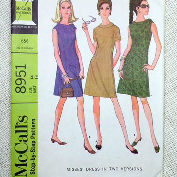 Vintage sewing pattern McCall's 8951 1960s dress round neck tie collar Bust 34 gored Shift sack dress Mad Men career dress