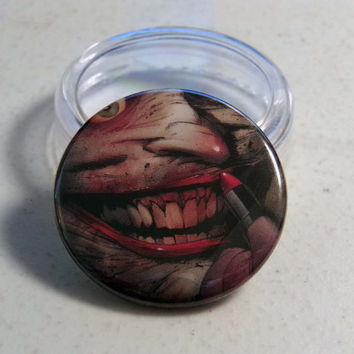 """Comic Book 1.5"""" Button// Death of the Family// Joker"""