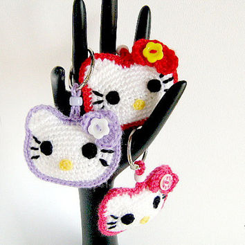 Keychain Hello Kitty Crochet Red Fuchsia Purple - Portachiavi Hello Kitty (Cod. 34)
