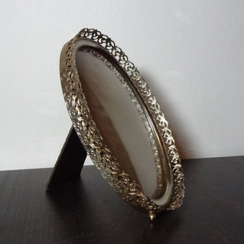 Vintage 5 x 7 Footed Oval Convex Brass or Gold Tone Filigree Picture Frame - Bubble Glass Photo Frame - Hollywood Regency/Paris Apartment