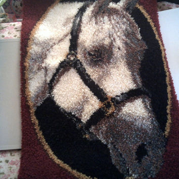 HORSE LOVERS LATCH Hook Rug Beautiful Plush Horse Wall Decor Equine Lovers Hooked Rug Finished Huge Horse Rug hooking Giant Horse Rug
