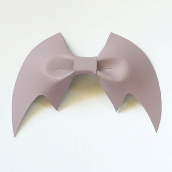 Spooky Creepy Cute Kawaii Harajuku Pastel Goth Soft Grunge Halloween Vegan Dusty Lavender Leather Bat Bow Hairclip