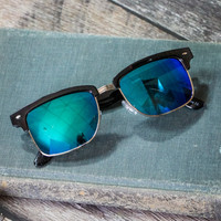 American Sunset Sunglasses in Black and Blue