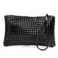 2016 New Women Clutch PU Leather Wristlet Wallet Plaid Embossed Day Clutches Purse Solid Zipper Fashion Retro Style Pouch