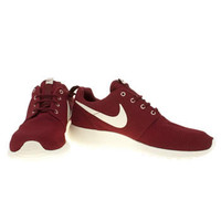 Men's Burgundy Nike Roshe Run at schuh