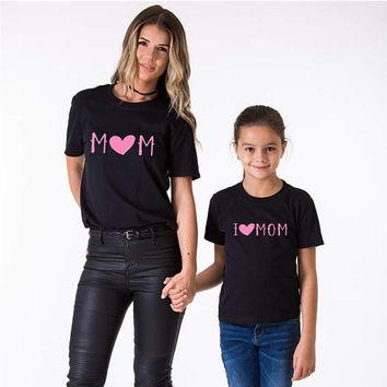 2017 New 1x Mom Daughter Matching Clothes Mother & Kids Black Tshirt Set I Love Mom Mother's Day for Family Matching Outfits