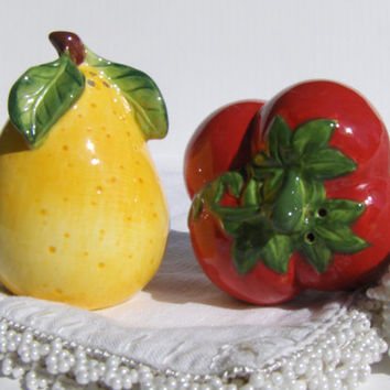 Vintage Fruit Salt & Pepper Shakers Strawberries Pear