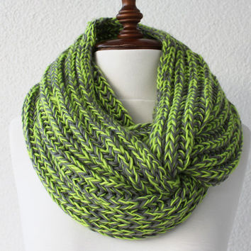 Circle Scarf, Cowl Scarf, Green Infinity Scarf Loop Scarf Neckwarmer Cowl Scarf Soft and Lightweight