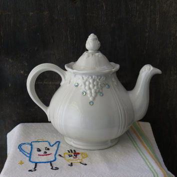 Hall Teapot Thorley Series Grape Pattern with Rhinestones 1528 Made In USA