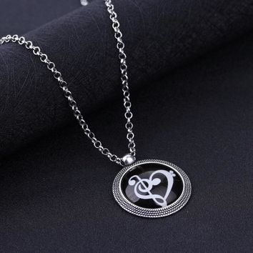 Night Luminous Musical Note Necklace Dropship Trendy Round Loving Heart Pendant Hot Sale Men Women Neck Jewelry