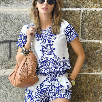 Blue White Short Sleeve Floral Crop Top With Shorts Suits [6222022852]