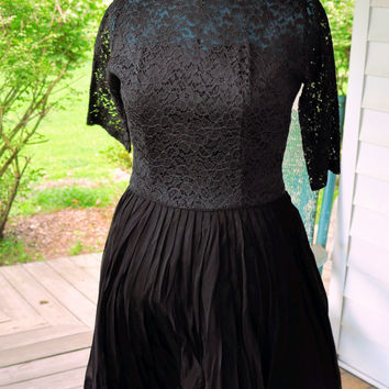 1960 Vintage Dress/1960s Evening Dress/1960s Black Illusion Lace and Chiffon Dress Made in the USA Dress Size L