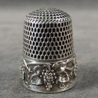 Vintage Sterling Silver Thimble - Ornate Grape Cluster Design - Old Simons Bros. Thimble