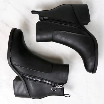 Kelly Faux Leather Zipper Ankle Booties in Black