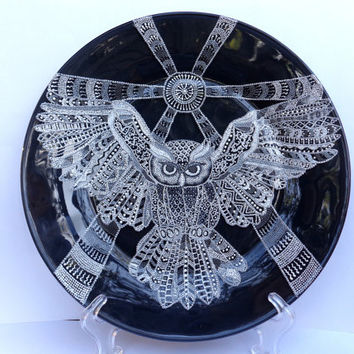 Owl.  Glass plater, point-to-point painting.