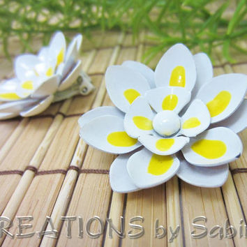 Flower Earrings, Painted Metal, Dahlia, Daisy, Water Lilly, White, Yellow, Clip On, Vintage