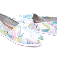 PASTEL MULTI CANVAS TRIANGLES WOMEN'S CLASSICS