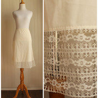 VIntage 60s Ivory Half Slip With Lace Hem By Bradley// Dress Skirt Extender// Lingerie// Large// Union Made