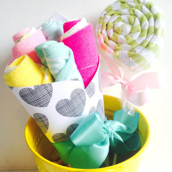Baby Mini Gift Set | Washcloth and Diaper Bouquet | Receiving Blanket Lollipop | Baby Shower Gift