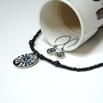 Black and white set,Pottery jewelry,Ceramic jewellery,clay spiral necklace,Fossil jewelry,Black drop earrings,Black clay pendant