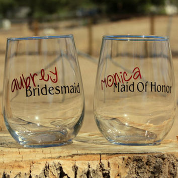 7 Personalized Bridal Stemless Wine Glasses. Great for bachelorette and wedding parties. Custom Bridal Wine glasses.