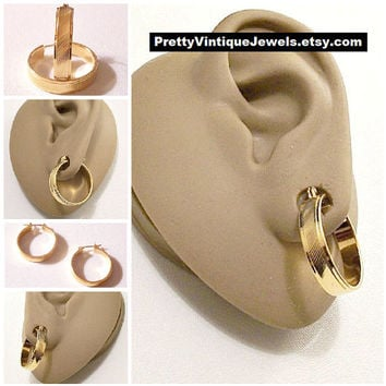 Monet Slant Lined Band Hoops Pierced Post Stud Earrings Gold Tone Vintage Rimmed Edges Large Round Ring Dangles