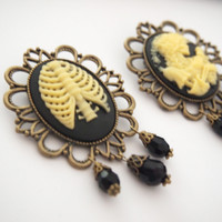 Glamsquared — Macabre Cameo Brooch