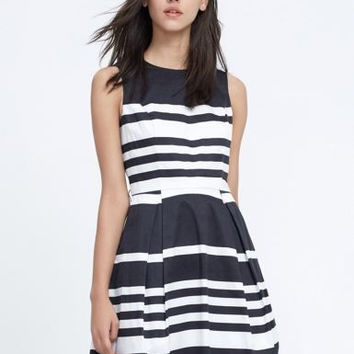 Color Block Sleeveless Striped Pleated Dress