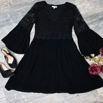 Beauty in Lace Dress, Black