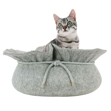 Stylish Felt Cat Bed