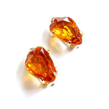 Vintage Citrine Orange Clip On Earrings - Glass Rhinestone - Signed Sphinx - Nugget Stone - Gold Tone Metal